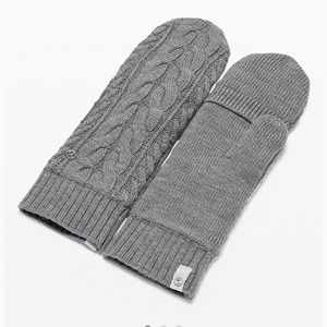 NWT Lululemon Show Me the Sherpa mittens, Gray